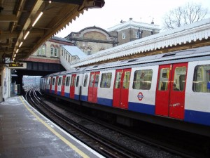 tube_train_undergroundP1039586